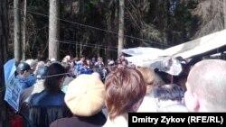 Народный сход в Цаговском лесу