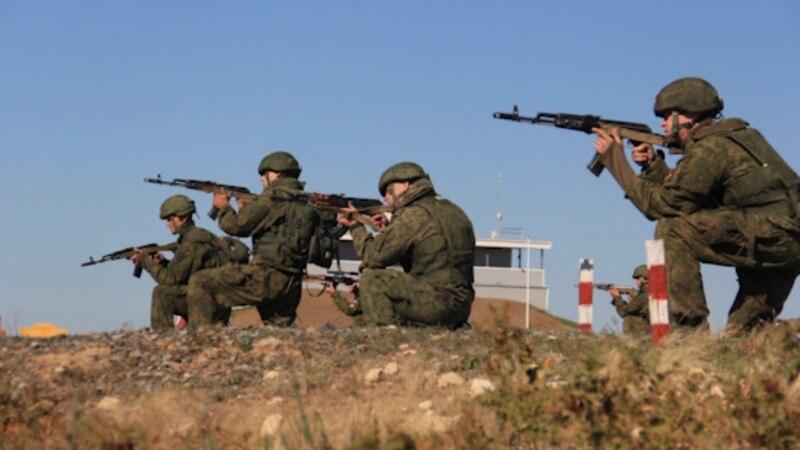 Полтысячи российских военных проводят учения по обороне побережья Крыма
