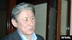 Бывший министр экономики и торговли, а также образования и науки Жаксыбек Кулекеев.