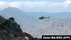 The helicopter was evacuating the body of a soldier killed in an avalanche. (file photo)