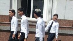 Russiýada okaýan türkmenistanly studentler VISA kartlaryndan pul nagtlaşdyryp bilmeýär, olar kösenýär