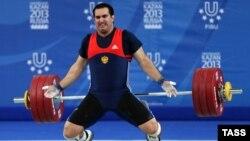До казанской Универсиады-2013 Давид Беджанян успел установить в 2011-м мировой рекорд в толчке на Кубке президента РФ — 238 кг.