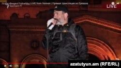 Никол Пашинян на митинге в Ереване, 21 апреля 2018 г.