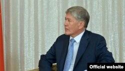 Алмазбек Атамбаев. Иллюстрация.