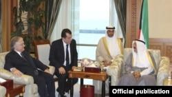 Kuwait - Emir Sabah Al-Ahmad Al-Jaber Al-Sabah (R) meets with Armenian Foreign Minister Edward Nalbandian in Kuwait City, 19Nov2012.