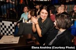 Зрители на фем-стендапе. Фото: Елена Анохина