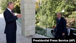 Орусия президенти Владимир Путин Түркиянын лидери Режеп Тайып Эрдоган менен Сочиде жолугушту. 17-сентябрь, 2018-жыл.