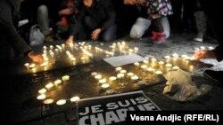Акция в память о погибших в результате террористической атаки в Париже. Белград, Сербия.