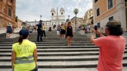 Рим забрани седење на шпанските скали