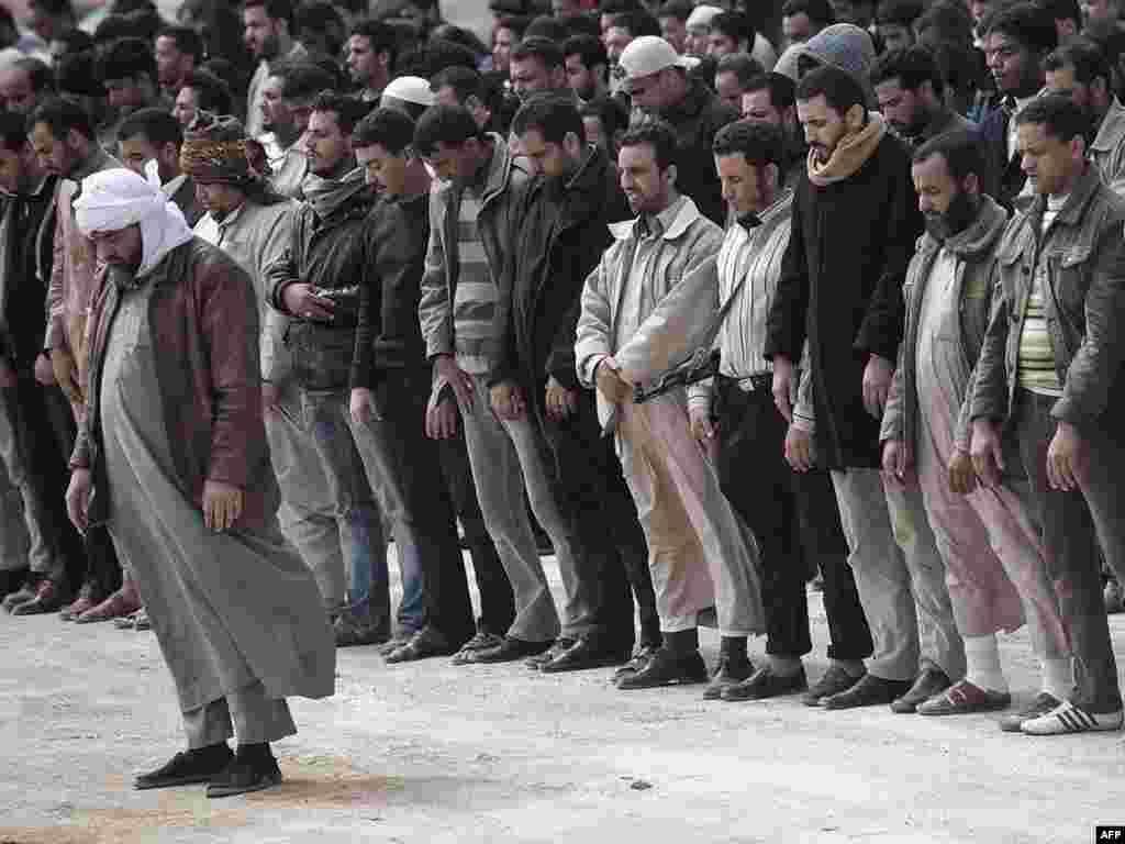 Adždabijah, 02.03.2011. Foto: AFP / Gianluigi Guercia