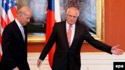 Вацлав Клаус и Джо Байден в Праге