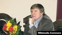 Tajik-Russian author Andrei Volos