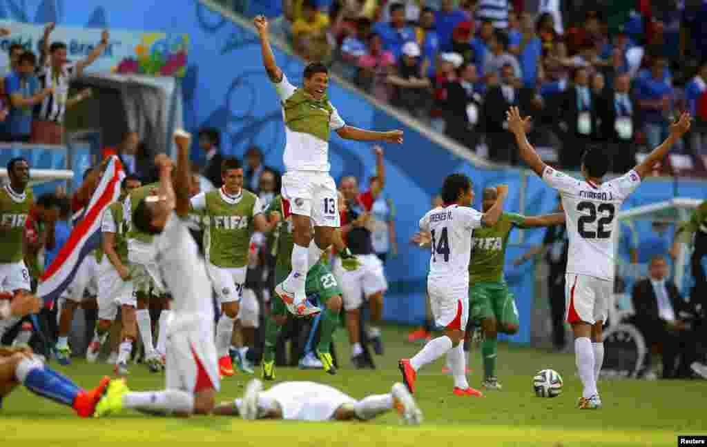 Дар бозии аввали шаби гузаштаи Ҷоми ҷаҳон-2014 тимҳои футболи Италия бо Коста Рико дидор карданд, ки бозӣ бо ҳисоби 0-1 ба фоидаи Коста Рико анҷом ёфт.
