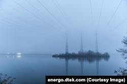 Лінії електропередач, які обслуговує компанія «ДТЕК Енерго», що належить українському олігарху Рінату Ахметову
