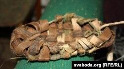 Лапці з лазы, што раней насілі беларусы