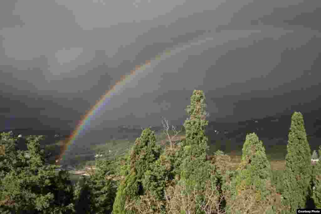 Осенняя радуга в Крыму. Украина