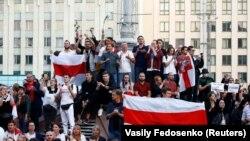 Демонстрация в знак протеста против насилия со стороны полиции и отклонения результатов президентских выборов в Беларуси. Минск, 14 августа 2020 года