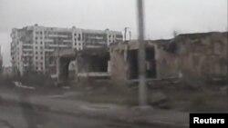 Последствия бомбардировки российскими войсками. Грозный, декабрь, 1999 год