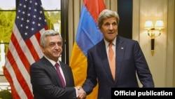 Austria -- Armenian President Serzh Sargsyan meets US Secretary of State John Kerry, Vienna, 16May2016