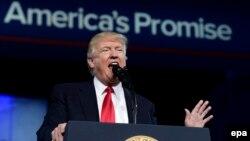 Дональд Трамп на конференції республіканців-консерваторів заявив, що хоче небаченої розбудови збройних сил