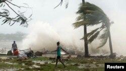 Prizor iz Port Vila, 14. mart 2015.