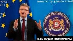 По словам еврочиновника, ЕС рассматривает «целый ряд мероприятий» на тот случай, если Грузия, как и Украина, перед подписанием соглашения об ассоциации с ЕС будет испытывать давление со стороны России