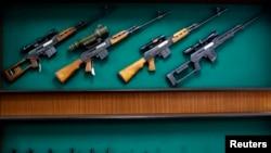 Ukupna vrednost izdatih dozvola za izvoz naoružanja i vojne opreme 2015, bila je 807 miliona dolara