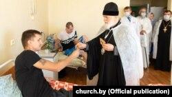 Мітрапаліт Менскі і Заслаўскі Павел наведаў параненых у лякарні хуткай дапамогі