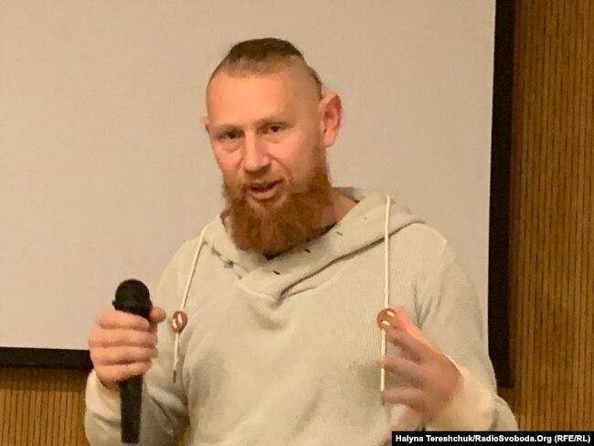 Юрко Вовкогон під час презентації у Львові