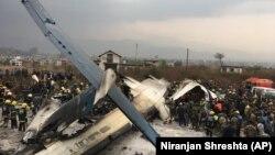 Место падения самолета в Катманду, Непал, 12 марта 2018 года