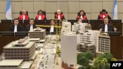 Макет місця вибуху в залі трибуналу, Гаага, 16 січня 2014 року