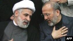 شیخ نعیم کاظم، قائم مقام حزب الله در کنار وزیر امور خارجه ایران(عکس:AFP)
