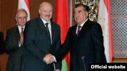 Эмамалі Рахмон і Аляксандар Лукашэнка
