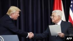 دونالد ترمپ رئیس جمهور امریکا و محمود عباس رئیس اداره خودگردان فلسطین