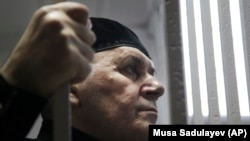 Оюб Титиев во время заседания суда