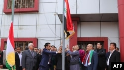مقامهای محلی کرکوک و نصب پرچم اقلیم کردستان در کنار پرچم عراق