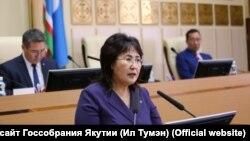 Сулустаана Мыраан на сессии Ил Тумэн (Госсобрания Якутии)