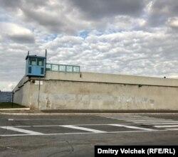 Стена тюрьмы Ребиббия