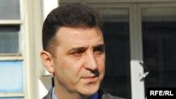 Pretučen usred restorana - Nebojša Batričević,advokat i član opozicionog Demokratskog centra