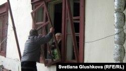 Жарылыс болған маңдағы үй. Астана, 24 мамыр 2011 жыл. (Көрнекі сурет)