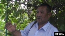 Бывший водитель автопарка Ныгметбай Ермаханов говорит, что готов выйти на пикет. Актобе, 4 августа 2009 года.