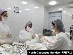 Пластикак хирург Кудзаев Казбек ву операци еш