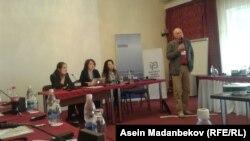 """Тренингди ЕККУ, """"Институт Медиа Полиси"""" уюму Кыргызстандын УКМК менен бирге уюштурду"""