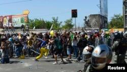 Protestuesit përleshen me policinë në qytetin Fortaleza në Brazil