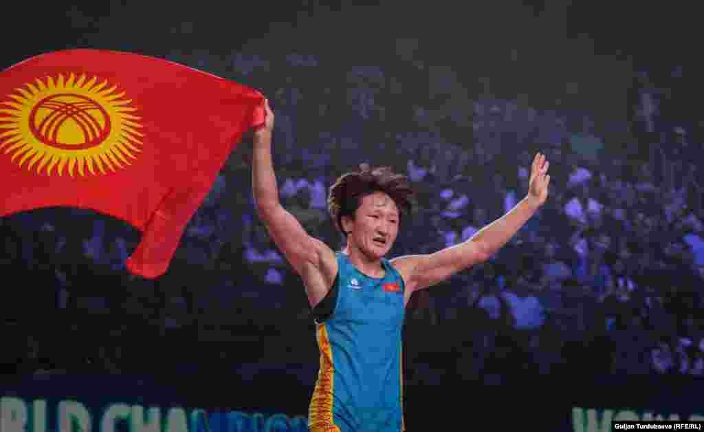 Айсулуу Тыныбекова дүйнө чемпиону болду
