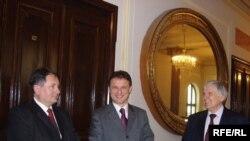 Petar Kuntić, Gordan Jandroković i Branko Horvat prilikom susreta u Zagrebu, 17. februar 2010.