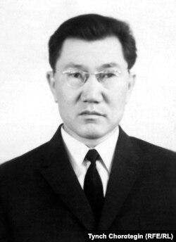 Садыбакас Өмүрзаков (1921–2002).