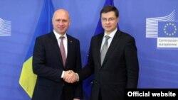 Valdis Dombrovskis, vicepreședintele Comisiei Europene, la o întîlnire cu premierul R. Moldova, Pavel Filip