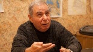 Azerbaijan -- Writer Akram Aylisli speaks during his interview with the AFP in Baku, 13Feb2013