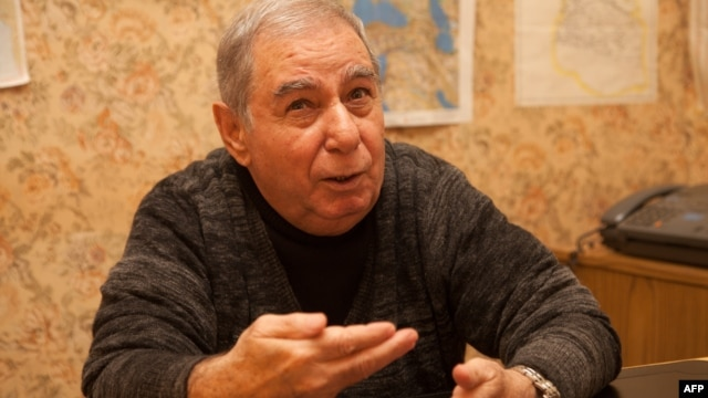 Azerbaijan -- Writer Akram Aylisli speaks during his interview with the AFP in Baku, 13Feb2013